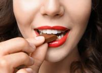 Tényleg szerelmesek leszünk a csokoládétól?