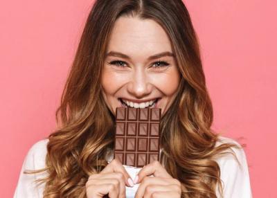 Ez történik, ha minden nap eszel csokit: 5 szuper előny és 5 kellemetlen mellékhatás
